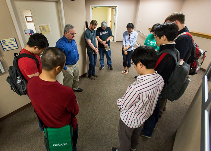 God blesses teams' cold-call evangelism 5 weeks in a row