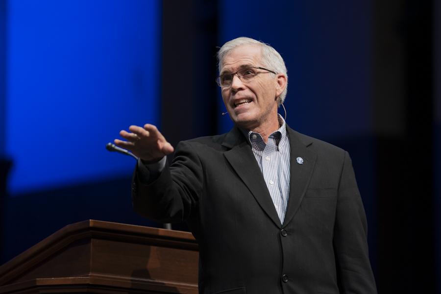 Skaar offers encouragement for enduring in ministry