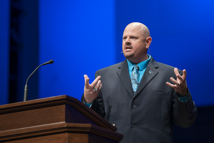 Jonathan Richard explains principles for dealing with opposition in ministry in Southwestern Seminary chapel message